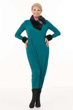 Long Sleeved Pleated Knit Dress in Jade