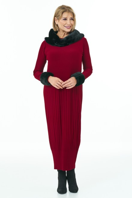 Long Sleeved Pleated Knit Dress in Wine Casual Chic Collection with Accessories