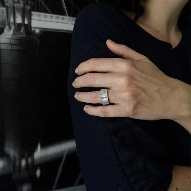 anillo de diseño en plata para comprar
