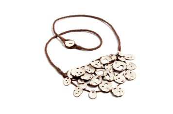 Laura Russo - Heridas - collar