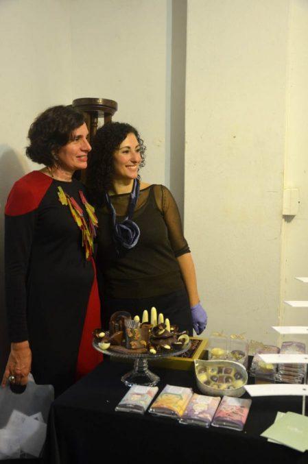 Paula con Andrea, de Tiegel chocolatier