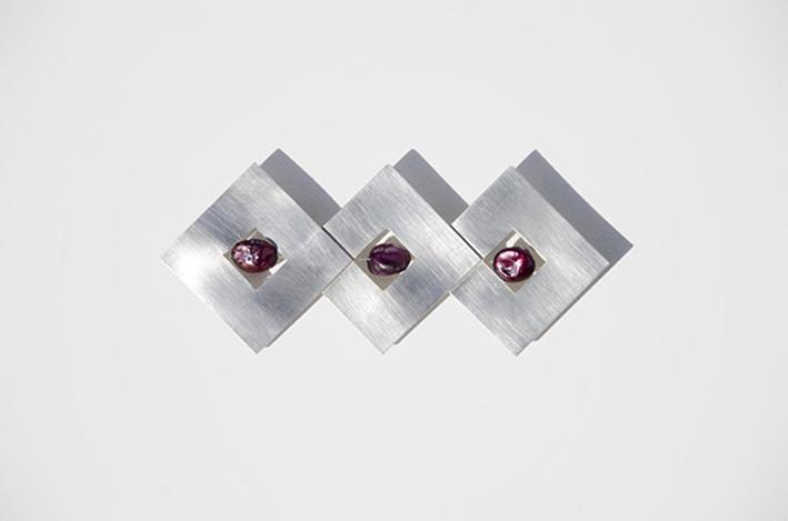 018.Metales. Prendedor Ventanas. Plata 925 y perlas de agua dulce (2)