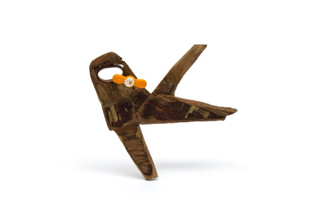 Sol Flores - Avion 2 - Broche