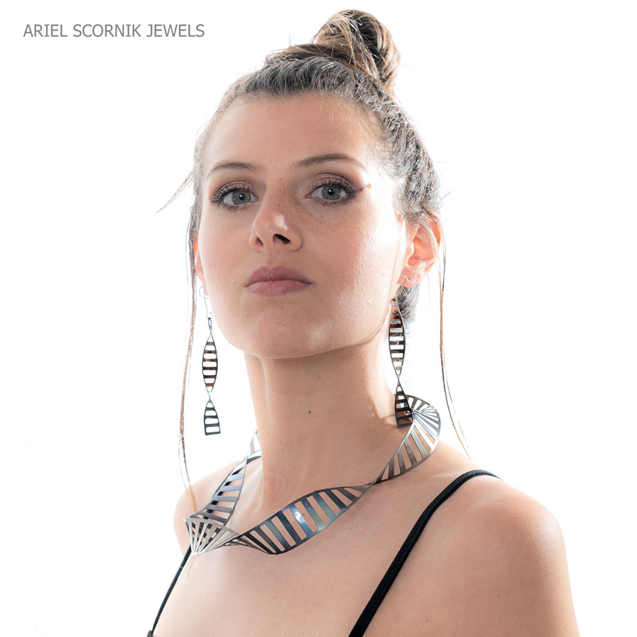 Ariel Scornik - Collar y aros Moebius