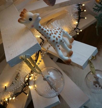 Eerste kerst met Sophie de Giraf   Advent of Joy