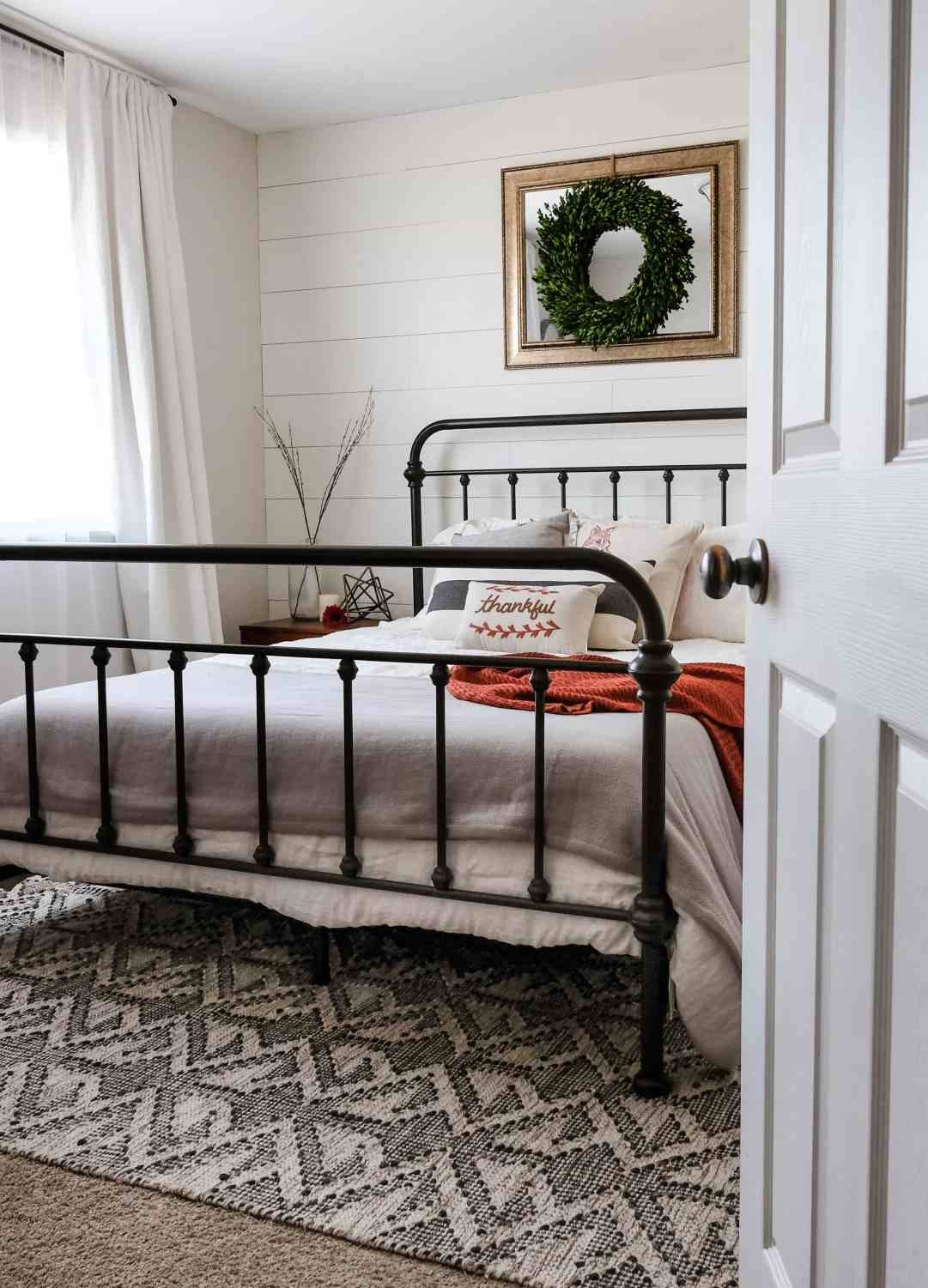 Modern Farmhouse Guest Bedroom - When farmhouse and modern collide to make a warm and welcoming guest bedroom.