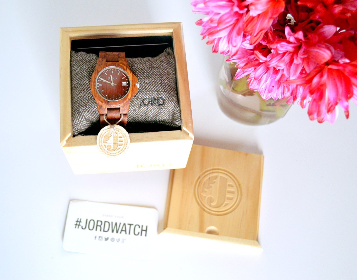 JORD wooden watches stand the test of time and are perfect as wedding gifts!