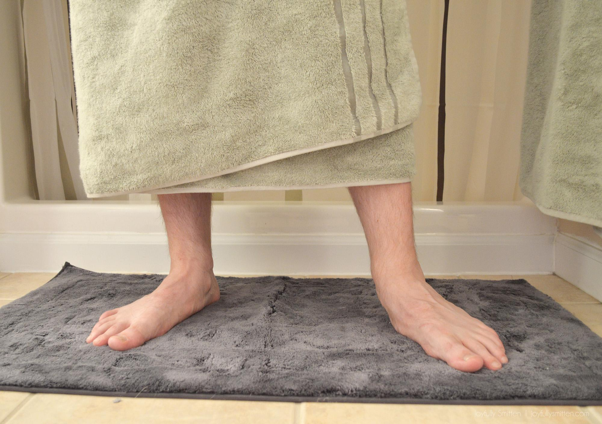 Bamboo Bath Mats and Bamboo Bath Sheets from Cariloha are life changing! Hello softness and goodbye scratchy odor-full towels!