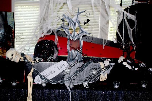 #Halloween coffin display