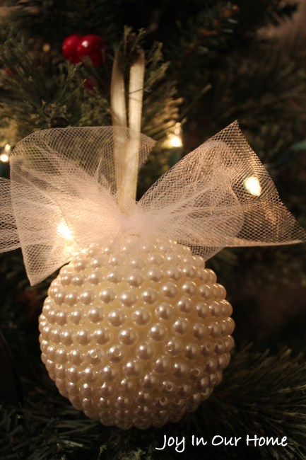 Pretty Pearl Ornament at www.joyinourhome.com
