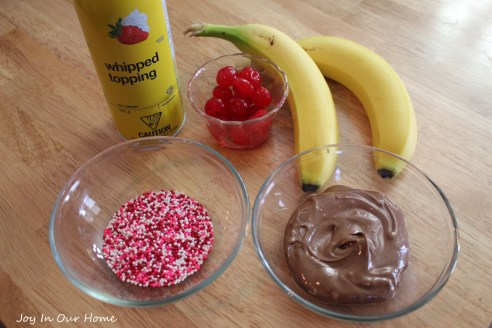 Mini Banana Splits at www.joyinourhome.com