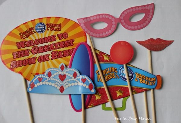Circus-themed birthday party at www.joyinourhome.com