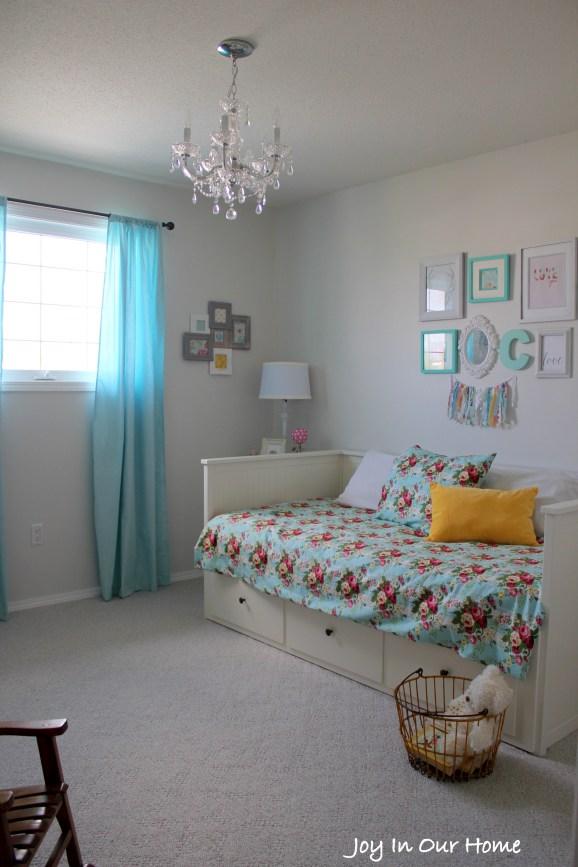 A Big Girl's Bedroom from www.joyinourhome.com