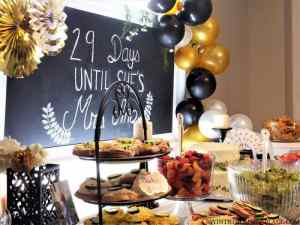 Black & Gold Bridal Shower Table