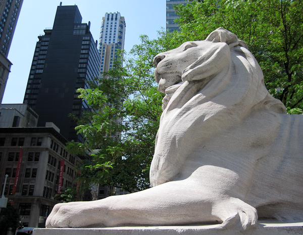 photo of New York Public Library lion