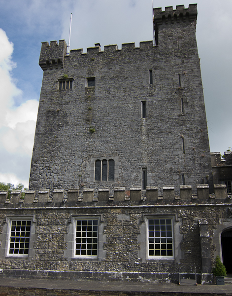 Knappoque Castle