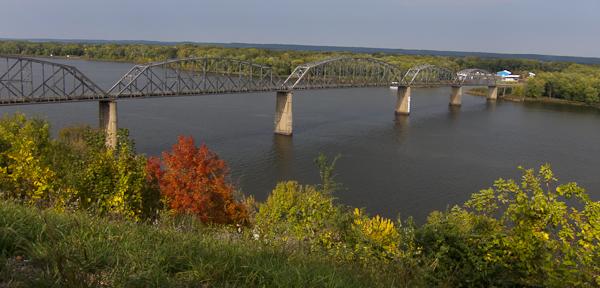 photo of Champ Clark Bridge, Louisiana, Missouri