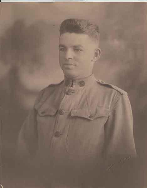 photo of man in World War I uniform