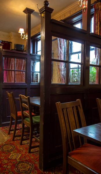 Pub booths, Devereux