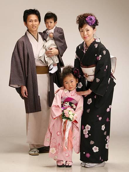 dca3f7298fa0 Национальный костюм и традиционный стиль в современной одежде ...