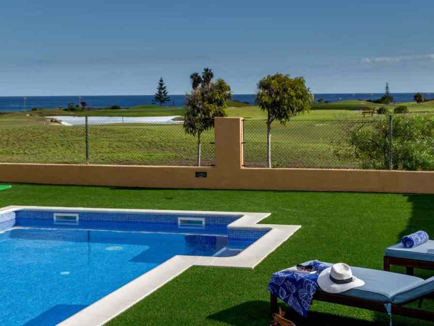 Villas to rent in on the golf course