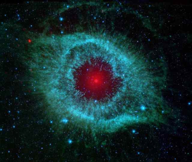 This Infrared Image From Nasas Spitzer Space Telescope Shows The Helix Nebula A Cosmic Starlet