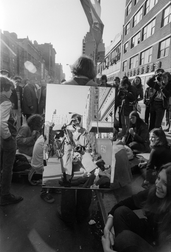 April 22, 1970, New York City, New York. JP Laffont at the 1st Earth Day parade. Launched by environmental activist Denis Hayes, the 1st Earth Day drew a crowd of more than one million. Now, Earth Day is an annual event held worldwide with more than 192 countries participate, to show support for environmental protection.