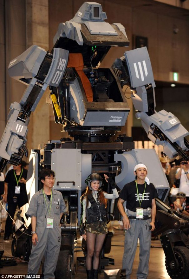 Japan Develops Fully Functional Human Piloted Mecha Robots
