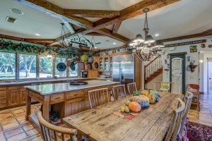 A kitchen with high ceiling.