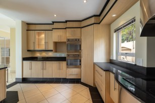 professional real estate photographer jacques du toit captured the mood and feeling of the kitchen