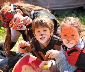 Bambini col volto dipinto