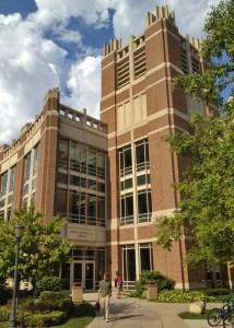 Raynor Library alla Marquette University