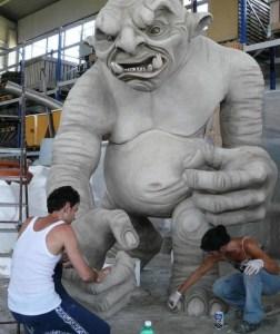 Ivan Cavini lavora al Troll