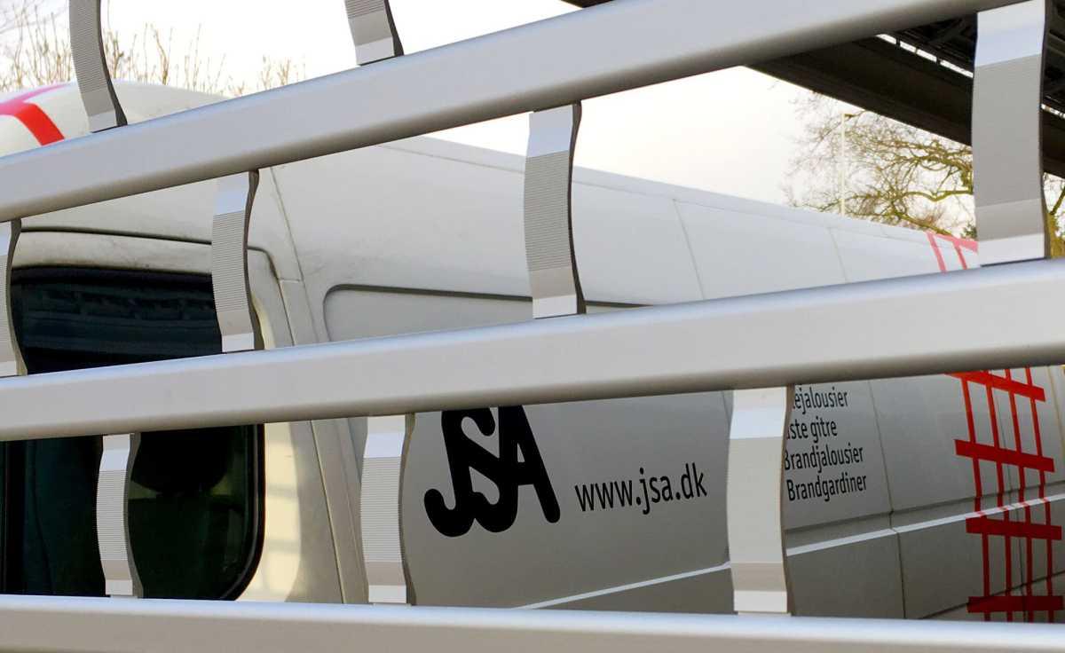 entreprenører Tyverisikring og brandsikring JSA-profil-med-bil-og-gitter