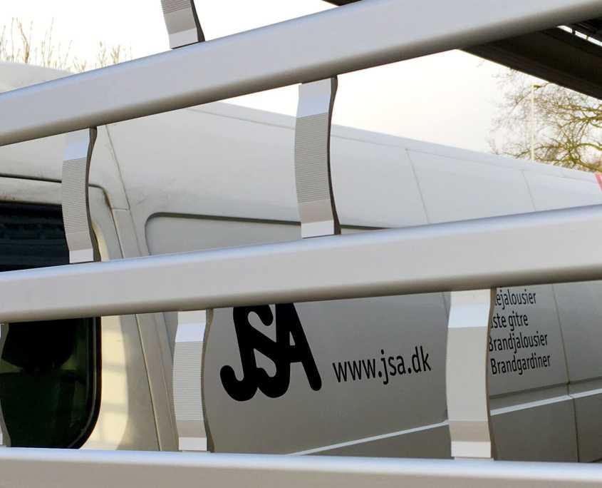 Tyverisikring og brandsikring JSA-profil-med-bil-og-gitter