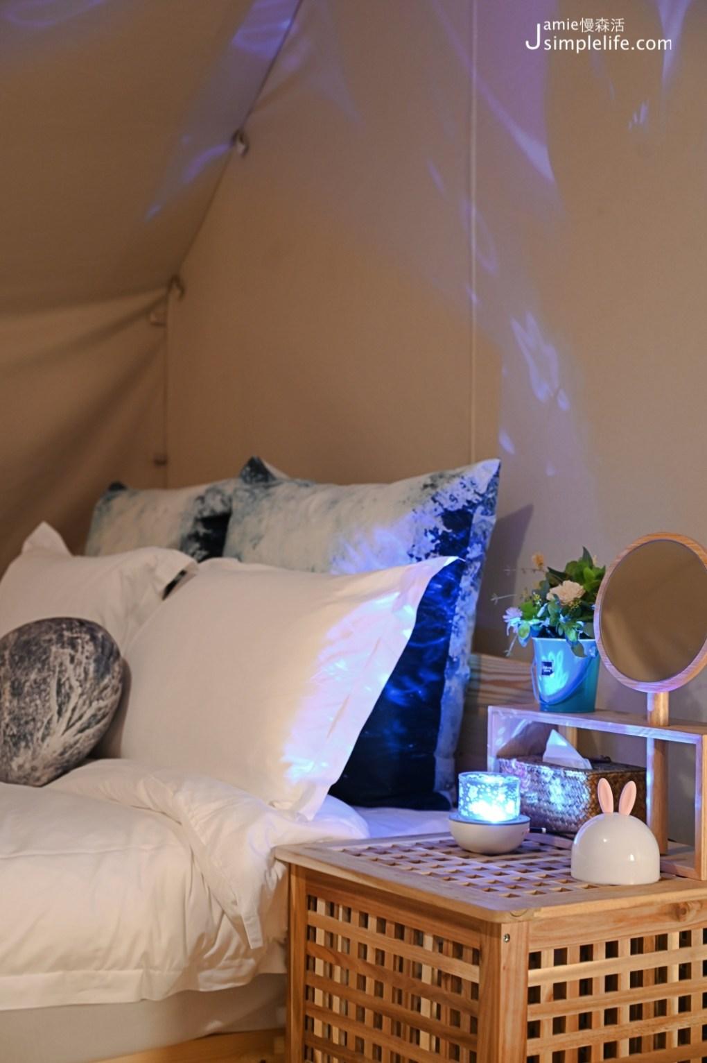台中向海那漾豪華露營區 30頂豪華露營帳篷 床邊小夜燈 好睡雙人床