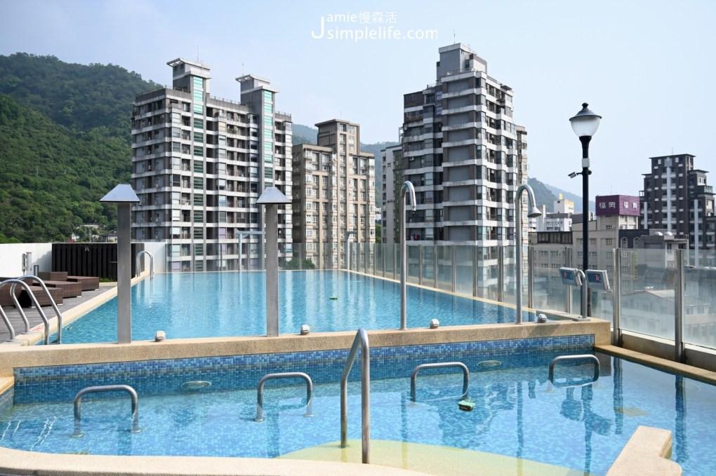 有吃也有住宿「大東北角」全都包 宜蘭礁溪兆品酒店 露天泳池