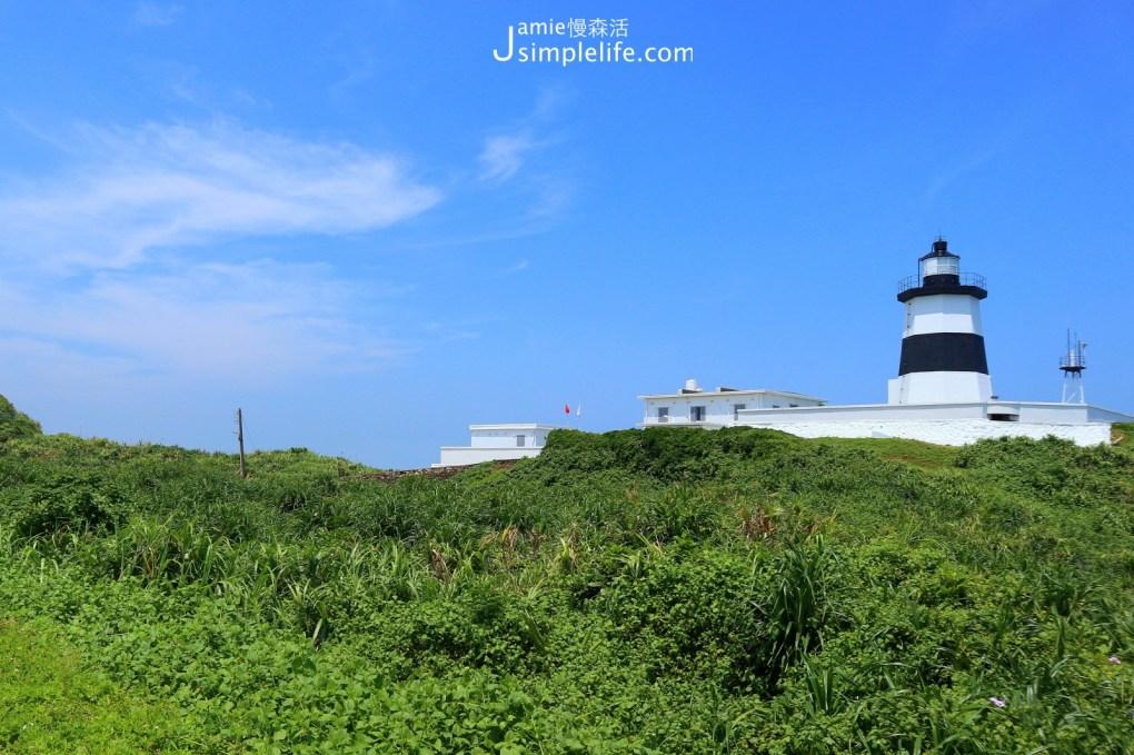 沿海步道亮相黑白相間「富貴角燈塔」