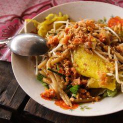 Déjeuner au marché de Kampot
