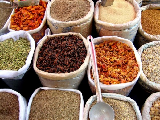 Spices_in_an_Indian_market spice organization