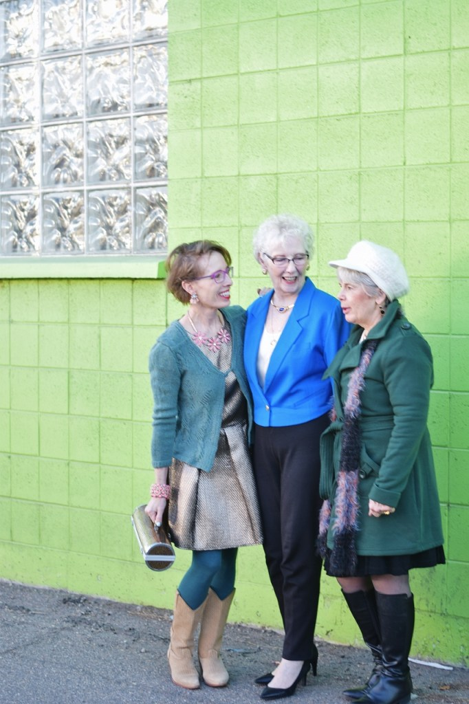Outfits inspired by tv shows for older women