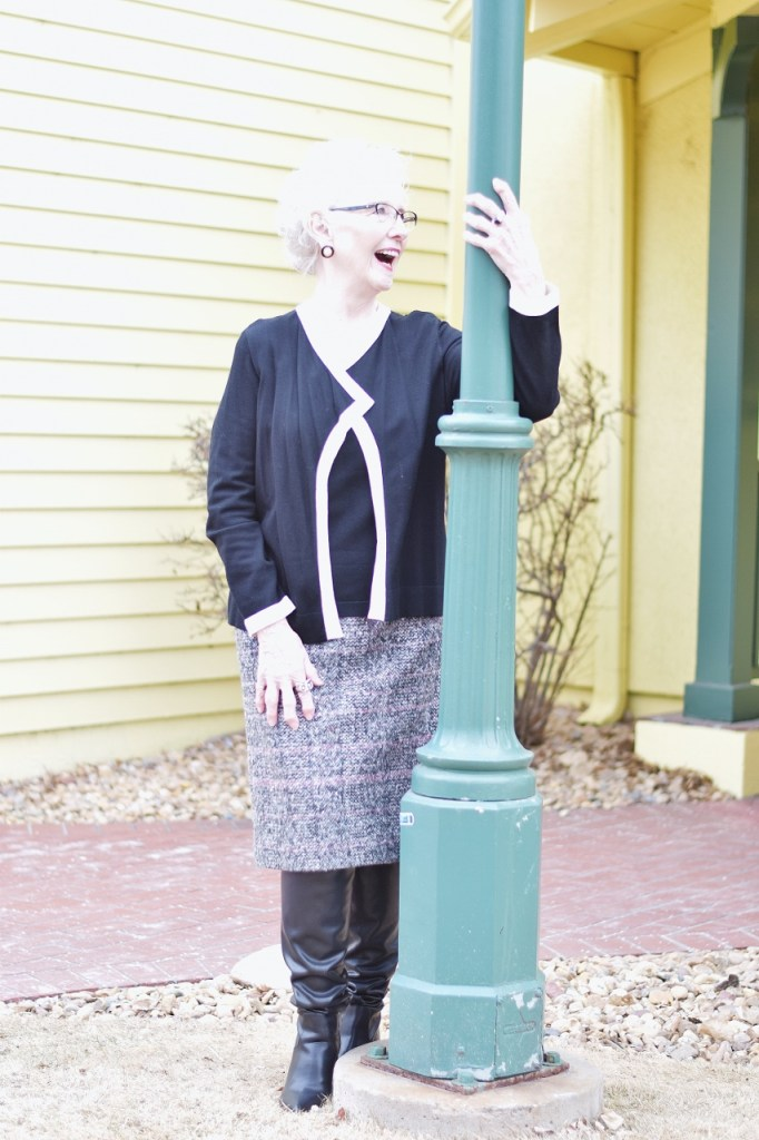 Minimalist outfits for women over 80