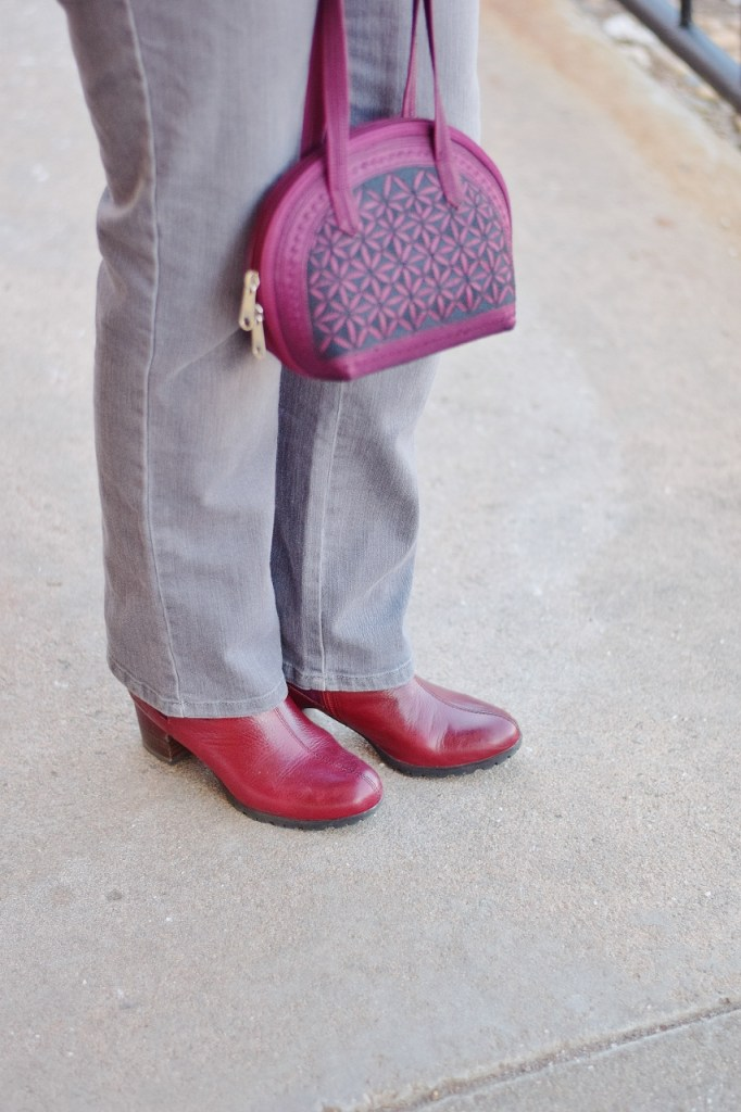 Fun boots with Your colors for a cool color look