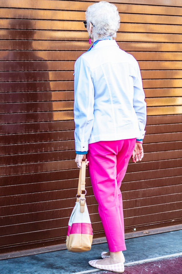 White and blue as what colors to wear with hot pink