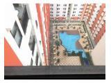 Balkon menghadap kolam renang