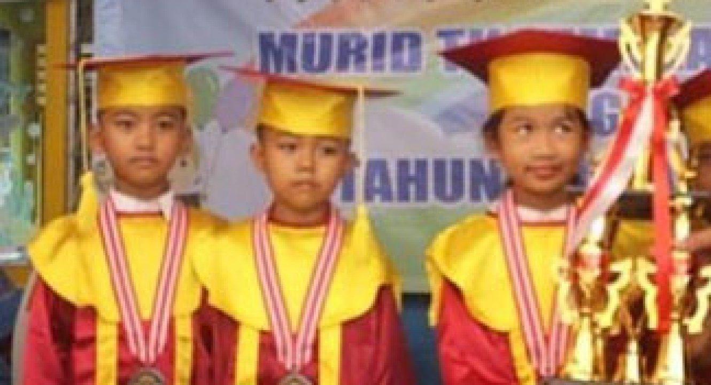 Jual Toga Wisuda Anak Bulungan Kalimantan Timur