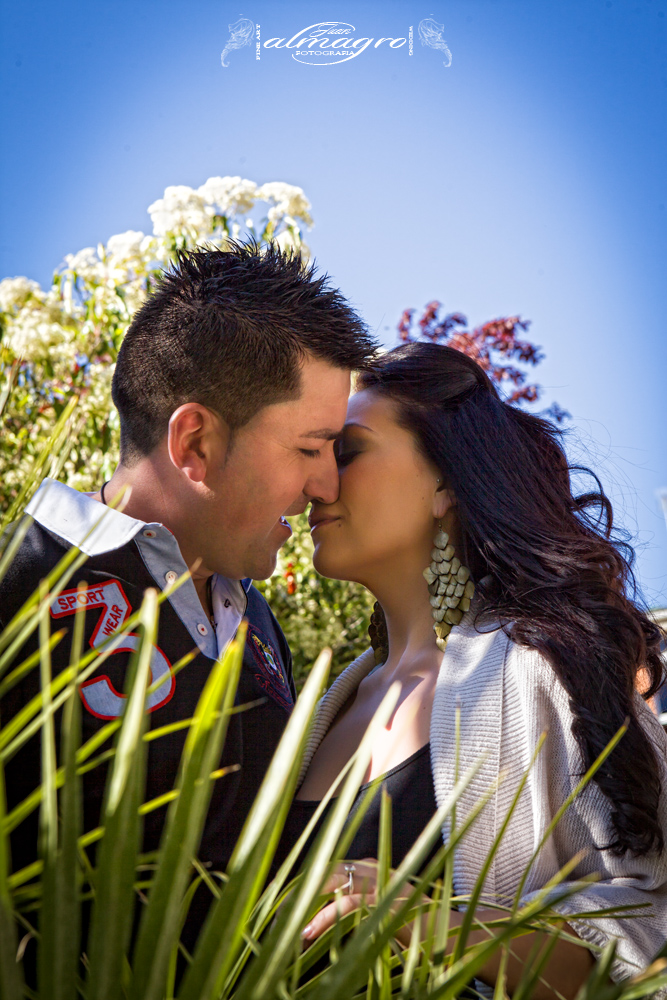 Reportaje de Pre-boda o sesión de compromiso de los novios Stefania y Francisco Manuel