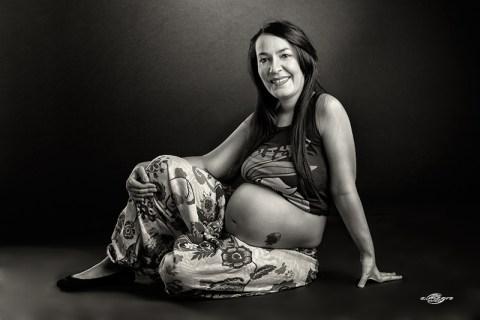 Sesion de fotos de embarazada - premama en estudio por Juan Almagro
