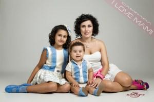 Nueva foto perteneciente a la colección mamás con hijos de la promoción I LOVE MAMI