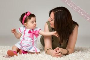 foto perteneciente a la promocion de mamás con hijos de Juan Almagro Fotografo de bodas en Jaén, I LOVE MAMI